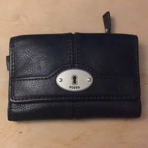 Fossil leather wallet NWOT